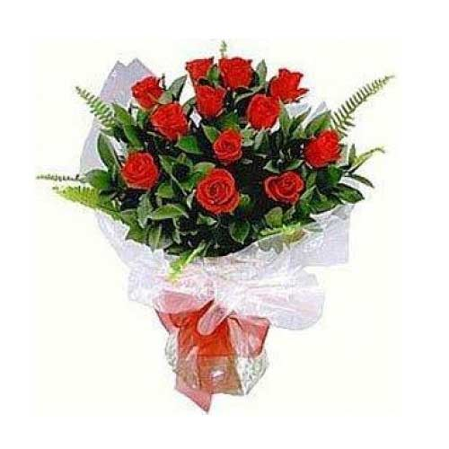 Sophisticated 12 Red Roses of Elegance on Valentines Day Occasion