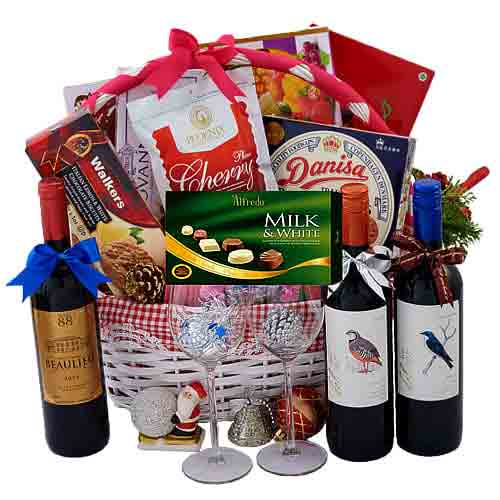 Lovable Yummy Surprise Gift Basket<br>