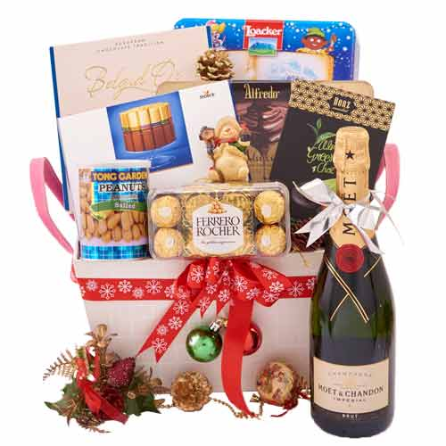 Provocative Connoisseurs Choice Gift Basket<br>